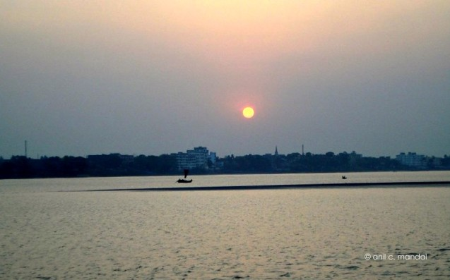 1-sunset-at-gandhi-ghat-e1400425233499